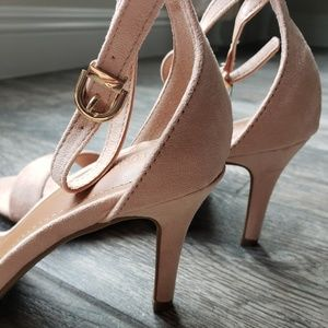 Forever 21 Blush Faux Suede Strap Sandals Heels